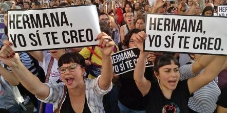 manifestacion-plaza-nueva-sentencia-manada_1239786509_83939025_1553x10241