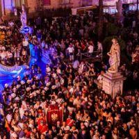 """Santa Rosalia e """"u fistino"""": tra storia e folklore, la Santuzza colora Palermo"""