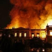 La cultura a rogo: fiamme al Museo Nazionale di Rio