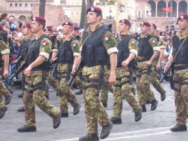 Col_Moschin_members_in_Republic_Day_parade